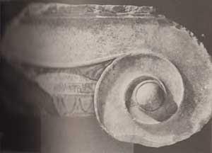 Significato della Spirale - Capitello ionico con decorazione dipinta - dall'agorà di Atene -primo quarto del V sec. a.C.
